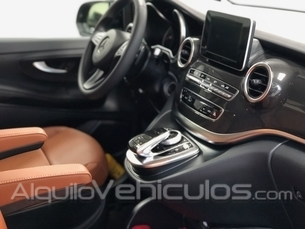 La mayor flota de minivan Mercedes-Benz V-Class Luxury con conductor
